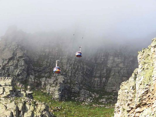 cable cars – table mountain – cape town – IMG_2545j