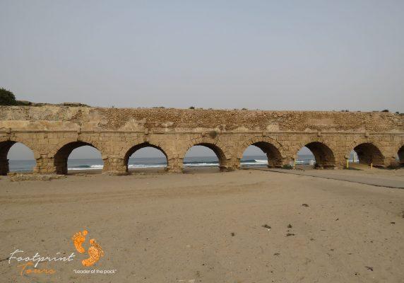caesarea aqueduct – Israel – IMG_6073