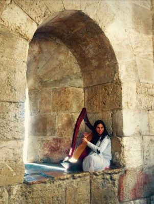 harpist at Jerusalem