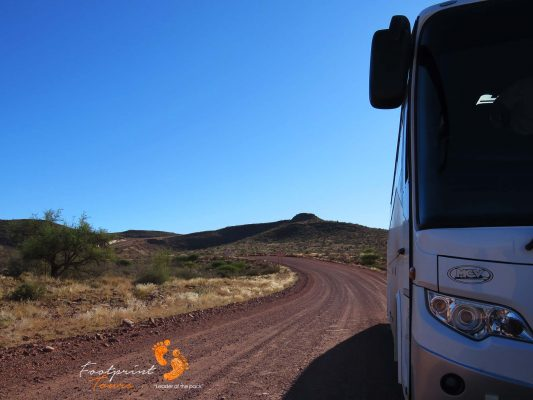 tourbus on namibia road – IMG_0663